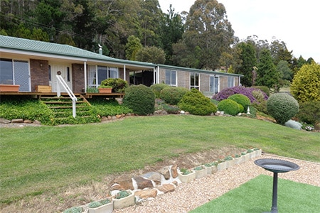 For Sale By Owner Review: Martin and Jan Hawley-Denby - Deloraine, TAS