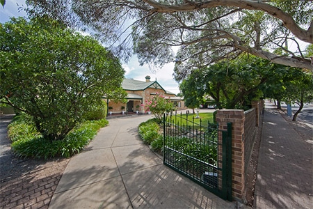 For Sale By Owner Review: Mark Waterman - Lower Mitcham, SA