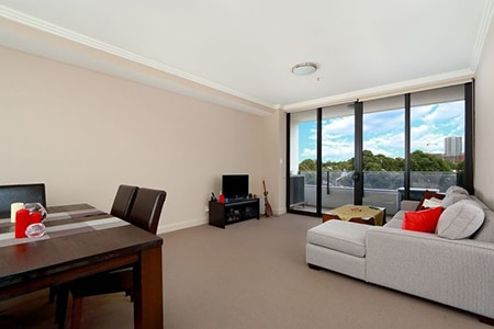 For Sale By Owner Review: Michael Wang - Sydney Olympic Park, NSW
