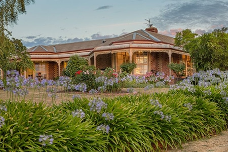 For Sale By Owner Review: Peter Greenaway - Brown Hill, VIC